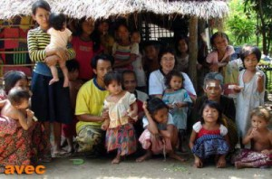 normal_action_trafic_enfants_village_khmer_cambodge02147